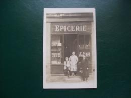 Carte Photo Ancienne: Devanture D'Epicerie ( Le Grolin?), Deux Femmes, Un Enfant. Dépt 44? 49? St-Nazaire? - Cartes Postales