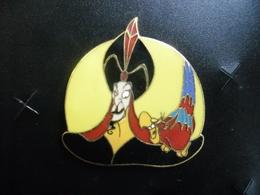 GRAND PIN'S DISNEY ALADDIN @ IAGO (le Perroquet) Et Le Grand VIZIR JAFAR @ 35 Mm X 33 Mm - Disney