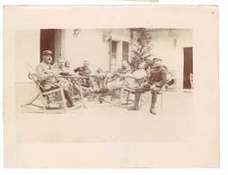 Photo Guerre 14 / 18 - Soldats Au Repos - Guerre, Militaire