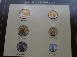 REPUBLIC OF FINLAND ( From The Serie Coin Sets Of All Nations ) Form. 20,5 X 29,5 Cm. ) Card + Stamp '82 ! - Finlande