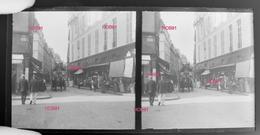 Plaque Stereoscopique 16x8 - Voiture Hippomobile Paris - 1er ARR - Place Du Marché Saint Honoré (513-2, DIV-1) - Plaques De Verre