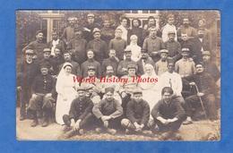 CPA Photo - FLERS ( Orne ) - Portrait à L' Hôpital Militaire, Soldat Blessé & Infirmiére - 1915 - H. Thierry Photographe - Weltkrieg 1914-18
