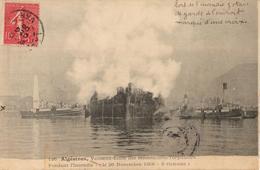 ALGÉSIRAS - VAISSEAU ÉCOLE DES MÉCANICIENS-TORPILLEURS PENDANT L'INCENDIE (26 NOVEMBRE 1906) - Krieg