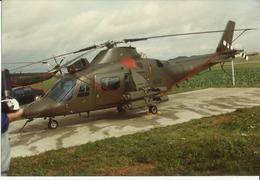 Photo Couleur Hélicoptère à Identifier. - Aviación