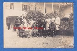CPA Photo - Lieu à Situer - Portrait De Soldat Blessé & Infirmiére - Spahi ? Tirailleur ? Colonial ? Voir Uniforme Poilu - Weltkrieg 1914-18