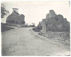 Photo Guerre 1914/1915 - Ambulance 7 Du XVe 129 - Village Détruit, église ( Meurthe Et Moselle, Meuse ?) - Guerre, Militaire