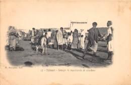 Djibouti / Topo - 43 - Groupe De Marchands De Charbon - Djibouti