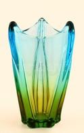 Jelzés Nélkül: Anyagában Színezett üveg Váza, Formába  Fúvott, Egészen Apró, Rétegen Belüli Karcolással, 20x12cm - Verre & Cristal