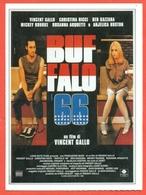 CINEMA-CARTOLINA MANIFESTO FILM-BUFFALO 66-VINCENT GALLO-CHRISTINA RICCI-ANJELICA HUSTON-BEN GAZZARA-MICKEY ROURKE - Manifesti Su Carta