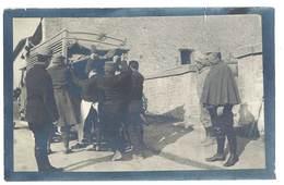 2 Photos Guerre 1914/1915 - Soldats, Camion Ambulance, Blessé Sur Brancard - Guerre, Militaire