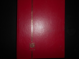 Album, Petit Classeur Fond Noir 15 Pages Occasion Bon Etat Environ 500 Grammes - Klein Formaat, Zwarte Pagina