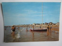 Coutainville. La Plage. Artaud 10 E/4045 Postmarked 1977 - France