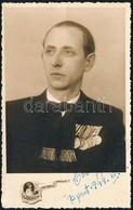 1944 Férfi Műtermi Fotója, Kitüntetésekkel, Várady Fényképészeti Műintézetéből, 14x8,5 Cm - Other Collections