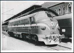 Cca 1970-1980 MÁV M61 'Nohab' Turcsiorrú Mozdony, 13x18 Cm / MÁV M61 Locomotive - Autres Collections