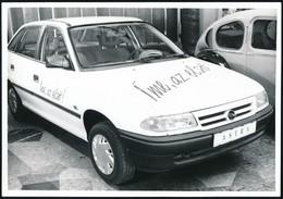 1992 'Íme, Az Első!' - Az Első Opel Astra Magyarországon, Fotó, 12,5×18 Cm - Other Collections