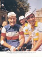 *CYCLISME : PHOTO (ANNEES 1950), LOUISON BOBET, RAPHAEL GEMINIANI, CLAUDE COLETTE, CHATELLERAULT, COUPURE LIVRE - Cyclisme