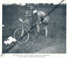 CYCLISME : PHOTO (1921), PARIS-TOURS, FRANCIS PELISSIER REPARE APRES BOURGUEUIL, COUPURE LIVRE - Cyclisme