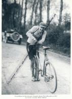 *CYCLISME : PHOTO (1921), PARIS-BRUXELLES, PROBLEME DE DIRECTION POUR ROERT JACQUINOT, COUPURE LIVRE - Cyclisme