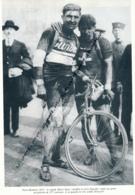 *CYCLISME : PHOTO (1923), PARIS-ROUBAIX, LE RAPIDE HENRI SUTER, S'IMPOSE AU SPRINT, A SA GAUCHE DERUYTER,  COUPURE LIVRE - Cyclisme