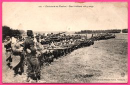 Militaire - L'Infanterie Au Combat - Feu à Volonté Sur 4 Rangs - Fusils - Animée - Lib. Militaire GUERIN - 1914 - Manoeuvres