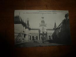 CPA : CHEVIGNY En VALLIERE  (La Cour Du Château Des Tourelles) - Autres Communes