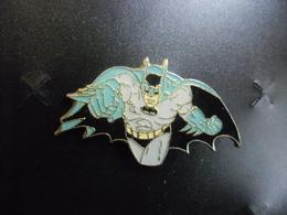 PIN'S BD Ou Film BATMAN - DC COMICS 1987 Au Verso @ 37 Mm X 22 Mm - Comics