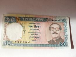 A Vendre Billet De 10 Taka En Très Bon état Petit Prix - Bangladesh
