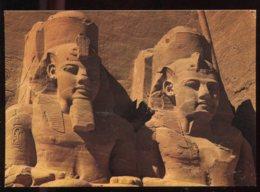 CPM Neuve Egypte ABOU SIMBEL Temple Ramses II Vue Partielle Des Grandes Statues - Temples D'Abou Simbel