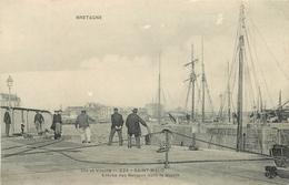 CPA 35 ST MALO BATEAUX ENTREE DES BATEAUX DANS LE BASSIN N°225 EDIT.M.T.I.L  VOIR IMAGES - Saint Malo