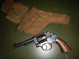 REVOLVERT 38  SMITH & WESSON SPRINGFIELD MASS U S A  NEUTRALISÉ AVEC UN ÉTUI TOILE - Decorative Weapons