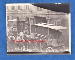 CPA Photo - SOISSONS / SAINT VAAST - Groupe De Poilu & Attelage , Voiture à Viande Modèle 1897 - 1915 - Waast - Weltkrieg 1914-18