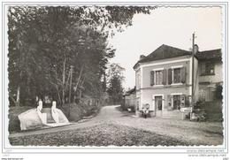 Cpsm...47..LAMOTHE D'ALLES...LAMOTHE D'ALES..ROUTE DE MIRAMONT....ANIMEE...FORMAT CPA... - Frankrijk