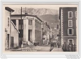 8091 AK/PC CARTE PHOTOGRAPHIQUE BELLEGARDE TELEGRAPHE POSTE TELEPHONE LA POSTE ET LA RUE DE LA REPUBLIQUE - Bellegarde-sur-Valserine