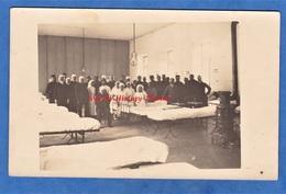 CPA Photo - AVIGNON - Intérieur De L' Hôpital Militaire Durant La Grande Guerre - Portrait De Soldat Blessé & Infirmiére - Weltkrieg 1914-18