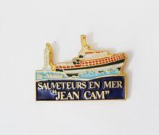 Pin's Bateau Ile Molène Sauveteurs En Mer Jean Cam - 42/CT - Autres