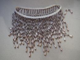 Pendeloque Ancienne En Perles De Verre Rosées - Tour De Lustre Ou De Tête ? - Jewels & Clocks