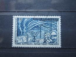 VEND BEAU TIMBRE DES T.A.A.F. N° 10 , XX !!! - Terres Australes Et Antarctiques Françaises (TAAF)