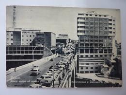 """Cartolina Viaggiata """"RAGUSA - Ponte Nuovo Al Centro Della Città Con Hotel Mediterraneo E Palazzo Di Cristallo"""" 1968 - Ragusa"""