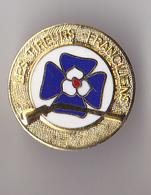 PIN'S   THEME TIR AU FUSIL  LES TIREURS FRANCAIS - Badges