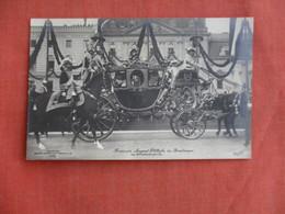 RPPC  Prinzessin August Wilhelm In Brautwagon Ref 3100 - Royal Families