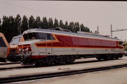 Photo Diapo Diapositive Slide Train Locomotive Electrique SNCF CC 6576 à VSG Le 26/06/1996 VOIR ZOOM - Diapositives