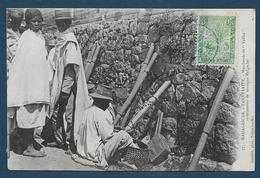 "MADAGASCAR - Tananarive -  Marchands De "" Valiha "" - Instruments De Musique Malgache - Madagascar"