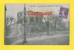 CPA 30 ֎  ALAIS ALES  ֎ La Cathédrale Et Haute Place St Jean Animée ¤¤  1928 - Alès