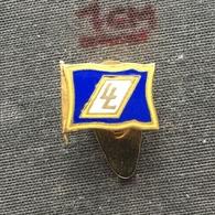 Badge Pin ZN006412 - Ship (Schiff / Boat) Italy LL Lauro Lines (Linee) - Boten