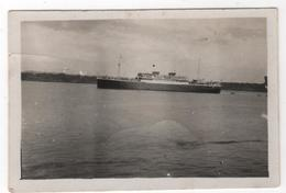 Photo Originale Marine Marins Le Paquebot Jean Laborde Vu De L'aviso Antares - Boten