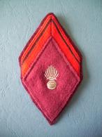 LOSANGE MODELE 1945 / SOLDAT 1° CLASSE ADL SSA / SERVICE DE SANTE DES ARMEES - Ecussons Tissu