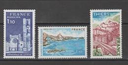 FRANCE / 1976 / Y&T N° 1902/1904 ** : Cathédrale De Lodève, Biarritz & Thiers (3 TP) - Gomme D'origine Intacte - France