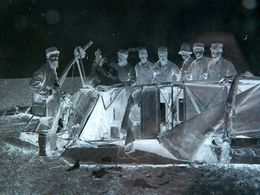 WW1 - WWI - GRANDE PLAQUE DE VERRE - NEGATIF - ACCIDENT AVION - MILITAIRE - MILITARIA - ANIMEE - 17,5 X 12,5 Cm Environ - Glasdias