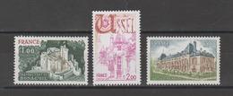 FRANCE / 1976 / Y&T N° 1871/1873 ** : Château Bonaguil - Ussel - Château Malmaison (3 TP) - Gomme D'origine Intacte - France