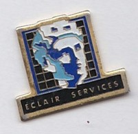 PIN S ECLAIR SERVICES - Badges